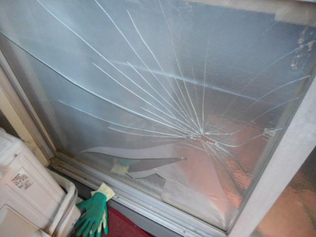 北区 西ヶ谷 ガラス修理
