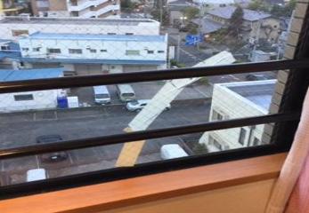足立区 竹ノ塚 ガラス修理前