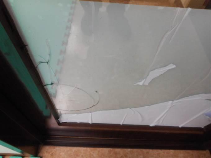 ガラス修理前