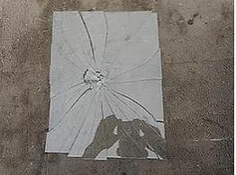 単板ガラスの割れパターン