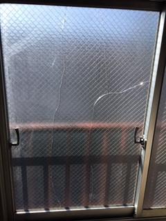 葛飾区 西新小岩 ヒビガラスの窓ガラス修理・交換