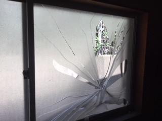 板橋区 高島平 ガラス修理前