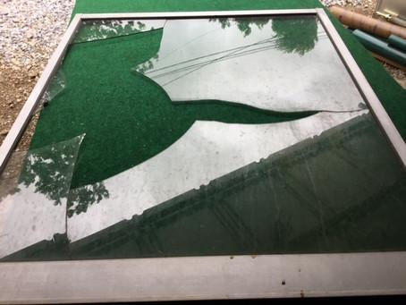 台東区 竜泉 突風被害の窓ガラス修理・交換