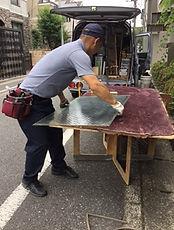 ガラス修理作業中 NO1