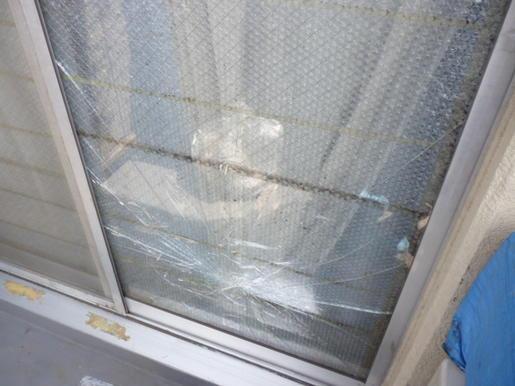 足立区 六月の窓ガラス修理・交換