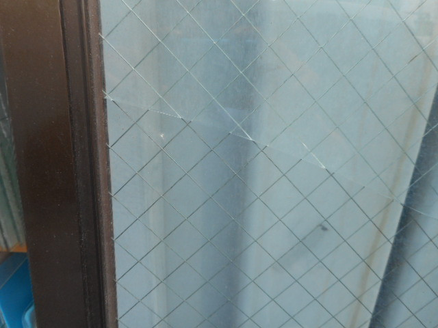 足立区 辰沼 窓ガラス修理・交換