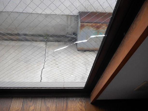 足立区 弘道ガラス修理前