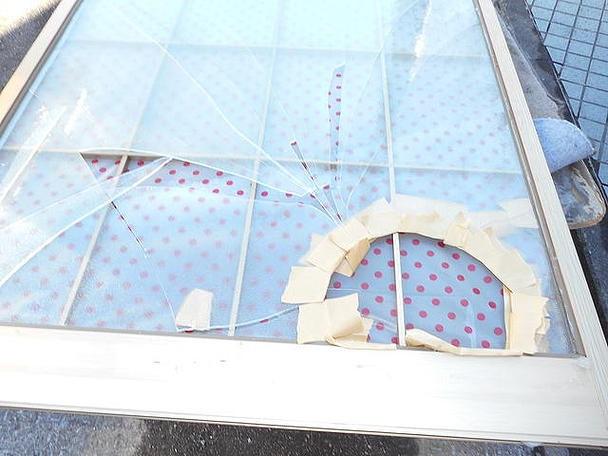 草加市 ガラス修理