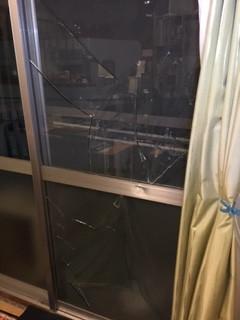 北区 西ヶ原 ガラス修理前