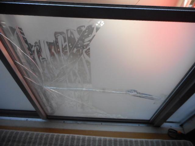 葛飾区 東堀切 ガラス修理前