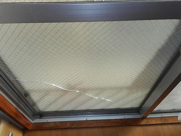 足立区 綾瀬 ガラス修理