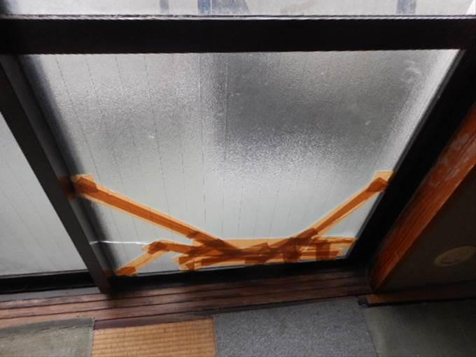 葛飾区 高砂 ガラス修理前 NO2