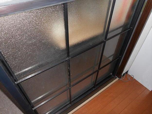 足立区 北加平 ガラス修理