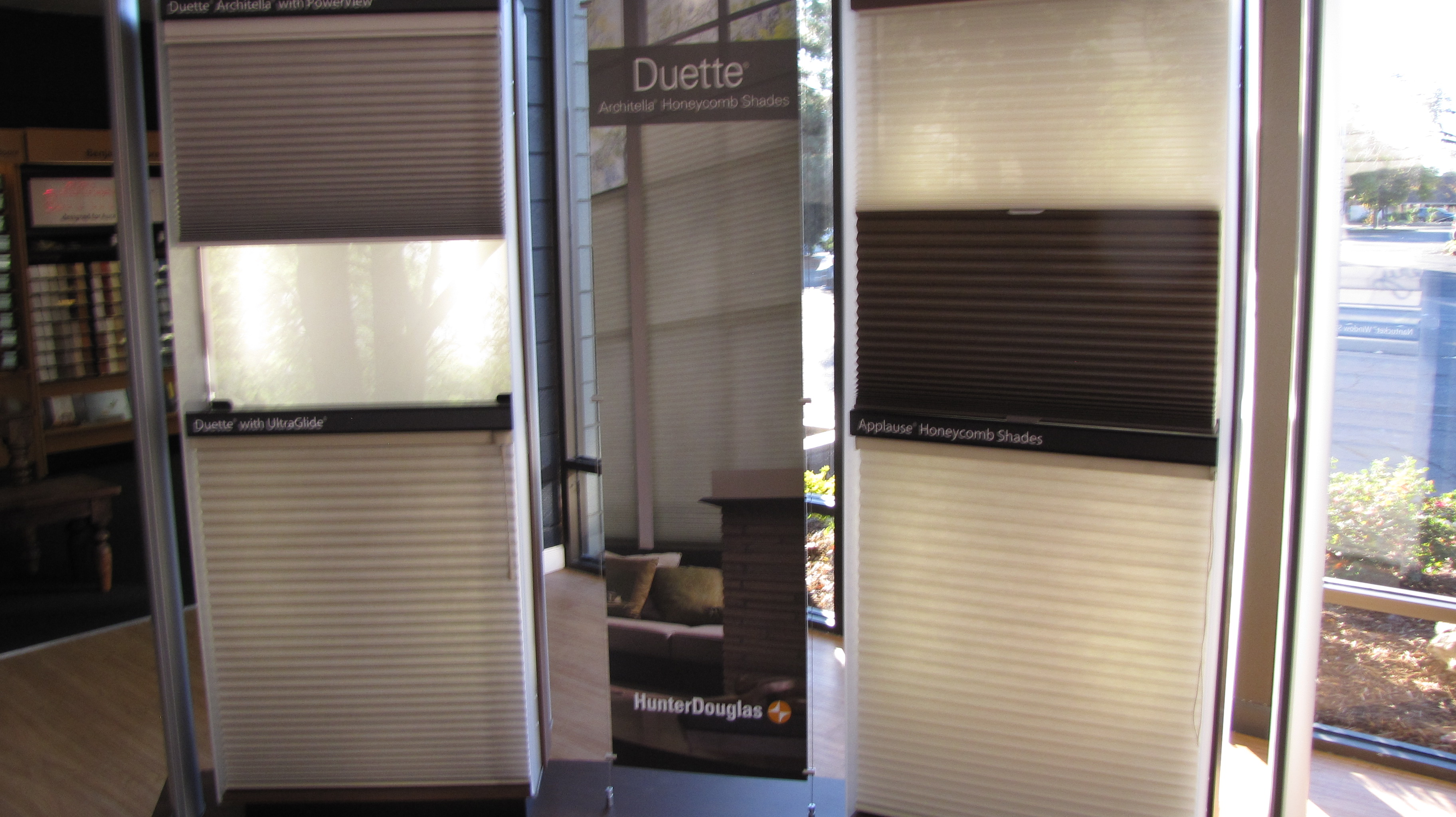 Hunter Douglas 11