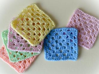How to Crochet the Classic Single Colour Granny Square