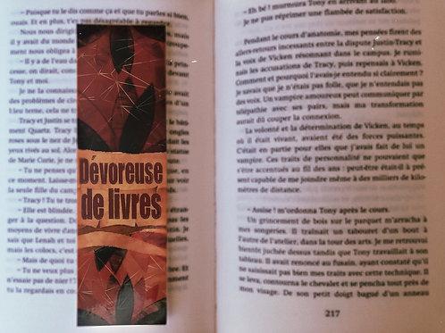 Dévoreuse de livres (rouge)