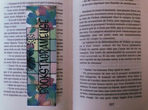 Bookstagrameuse (Mosaic Pastel)