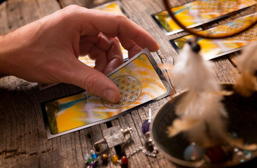 Jogos de Tarot e Cartas