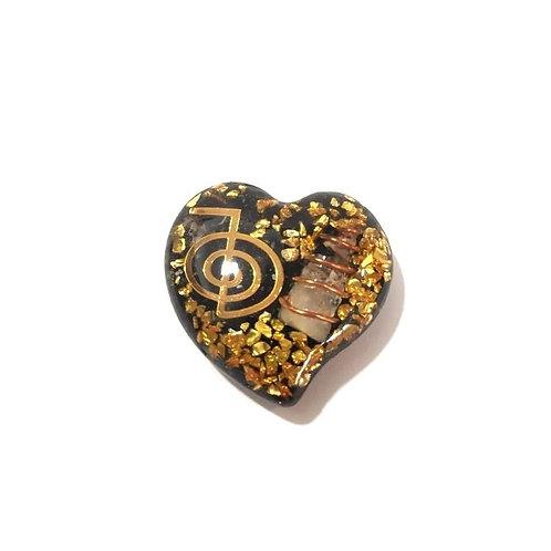 Οργονίτης Καρδιά με το σύμβολο  του Ρεικι