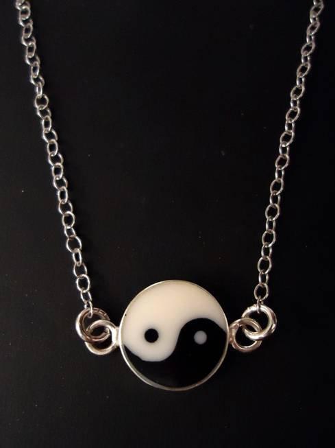 Μενταγιόν με το σύμβολο Yin Yang