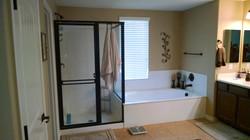 Coconio II Shower Before