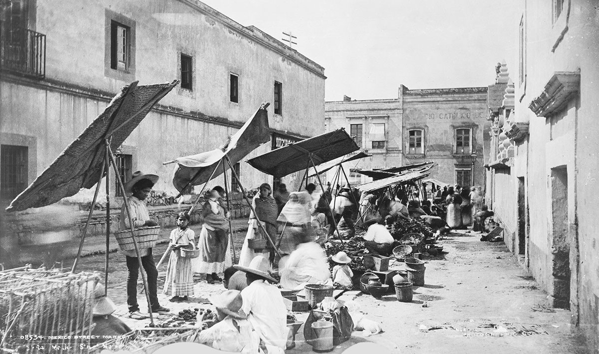 Mexico_City_street_market_1885.jpg