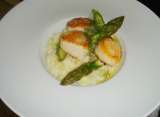 St jacques rôties, risotto d'asperges.jpg