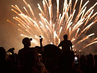 HOY: Cómo sacar fotos a los fuegos artificiales con el celu!