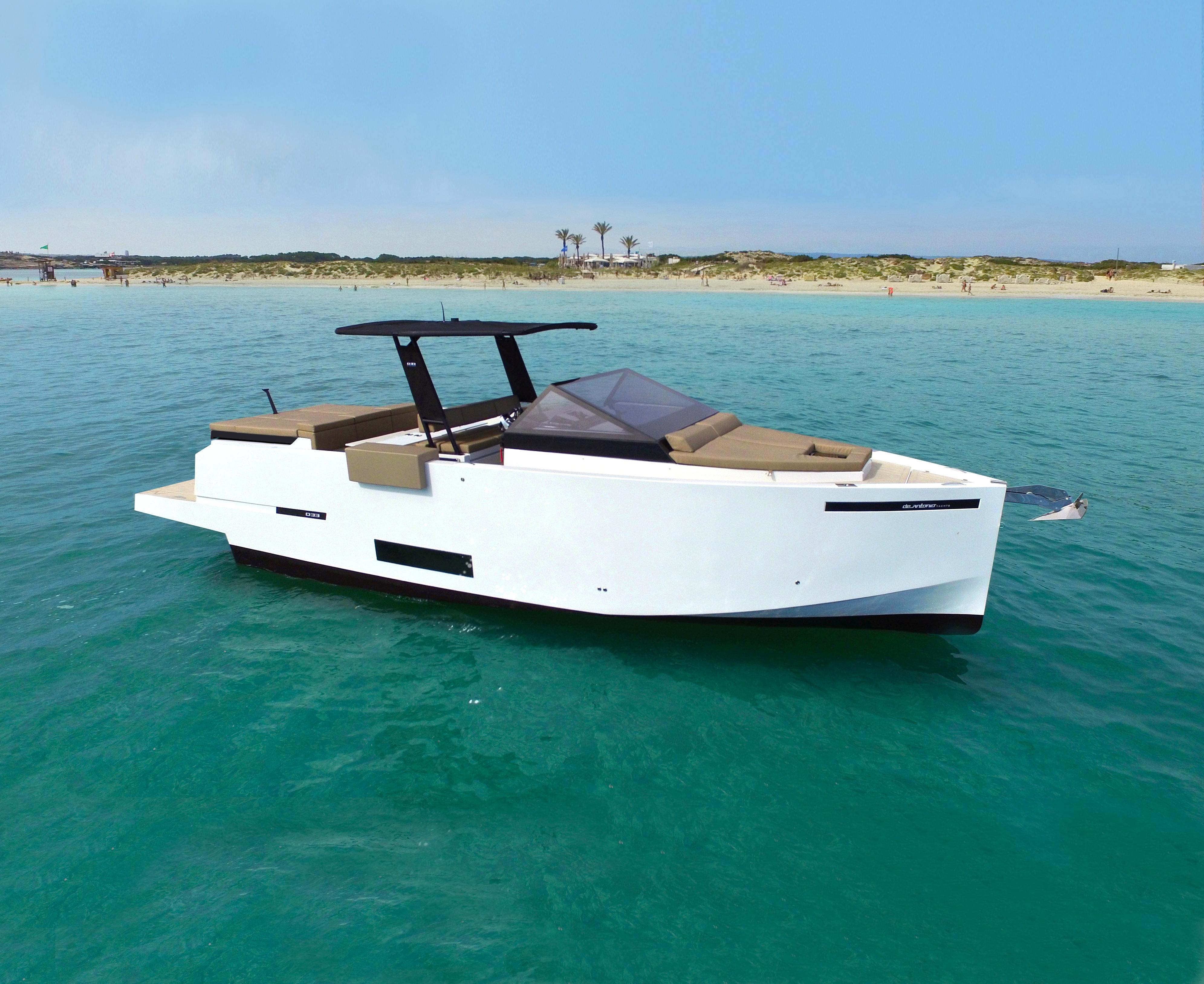 De Antonio Yachts_D34 Cruiser_02