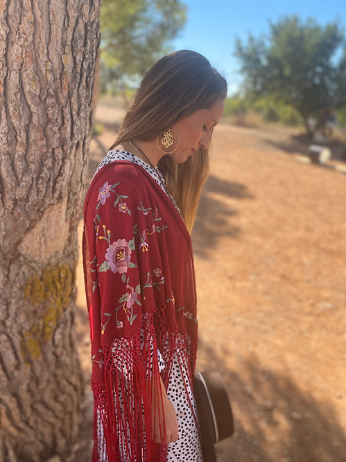 Mantón bordado Cereza