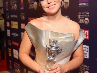 Победа в номинации «Лучший саундтрек».