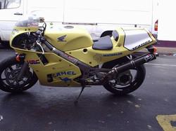 VFR750R 4