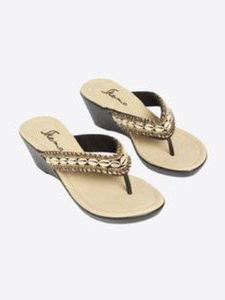 Aspen Comfort Sandals With Shells