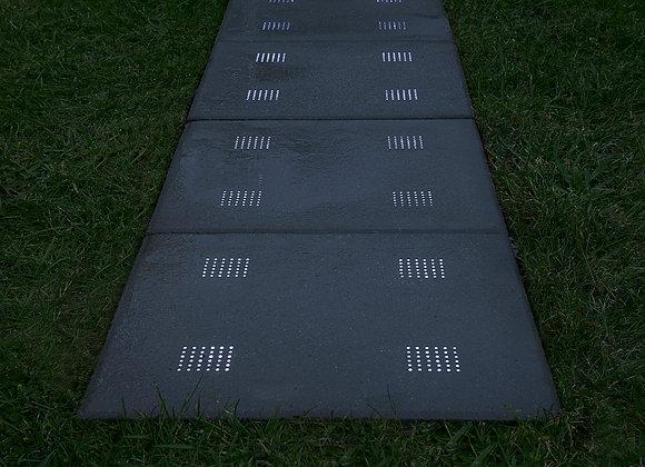 LED Terrassenplatte aus Lichtbeton, 40x40x4 cm, 4x2 W Licht installiert, steckerfertig