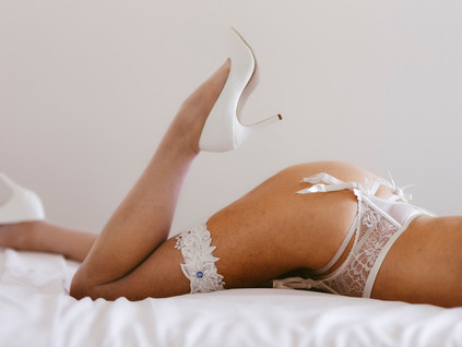 Boudoir bridal photography... The best gift ever!
