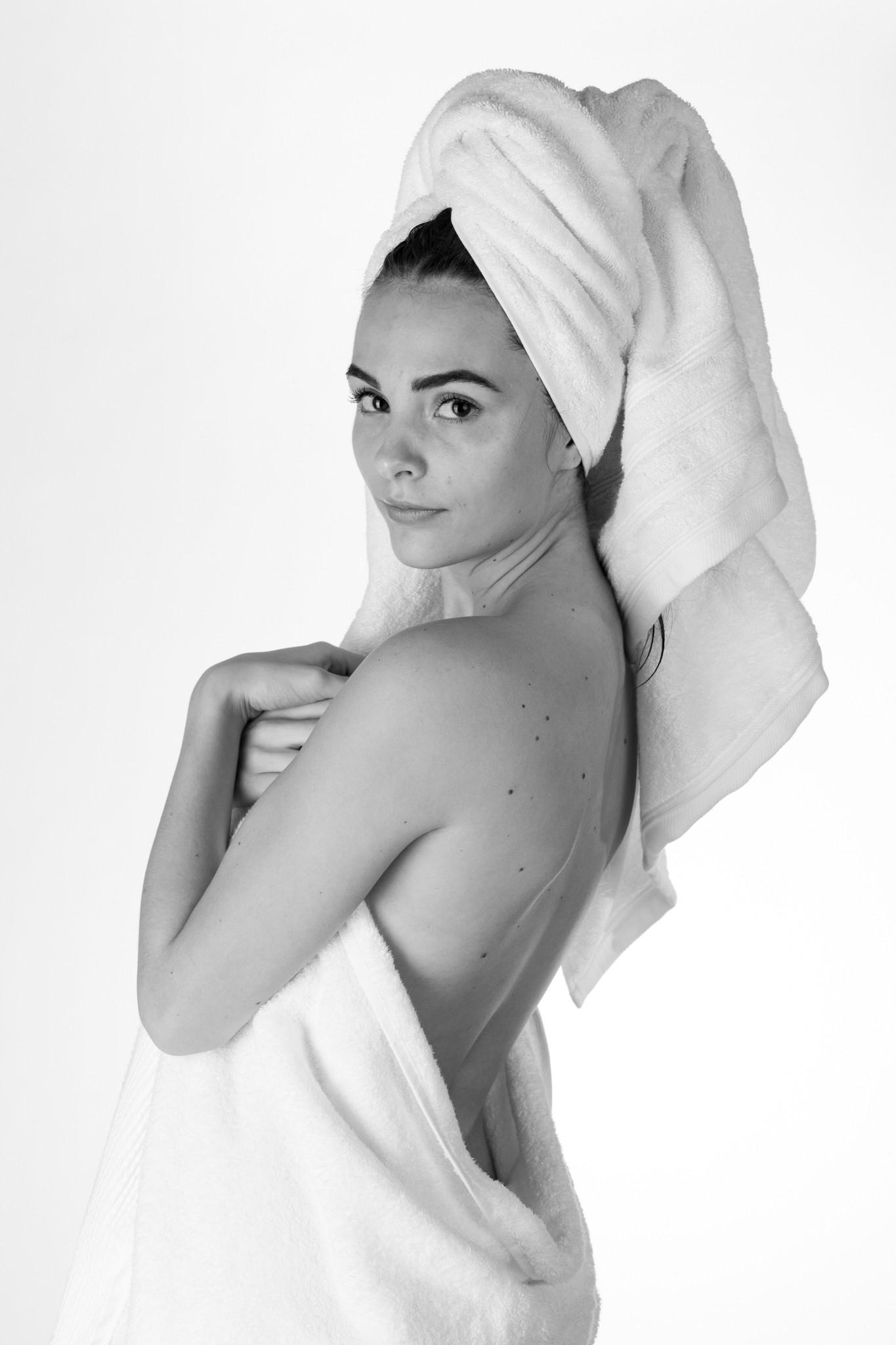 Axana Wet (10 of 25).jpg