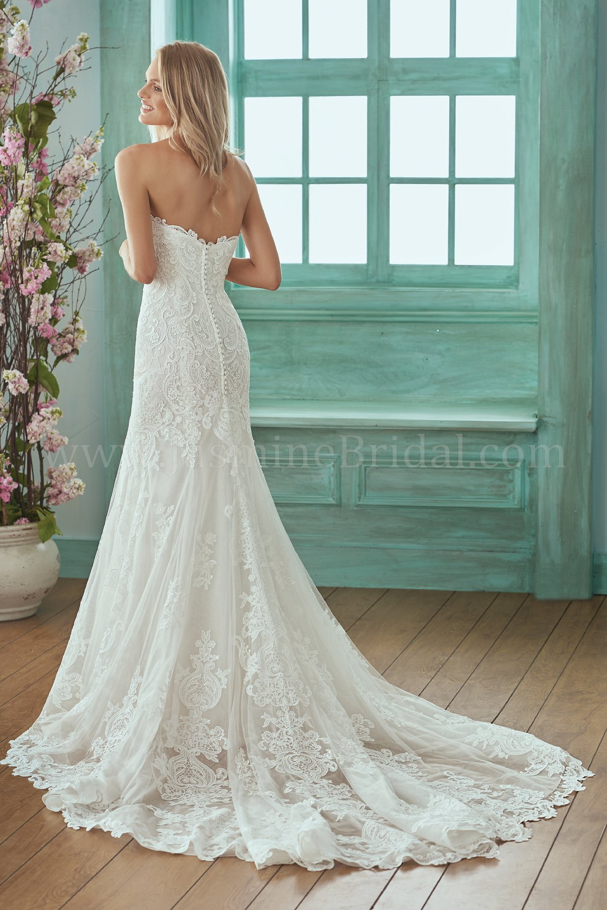 bridal-dresses-F201017-B