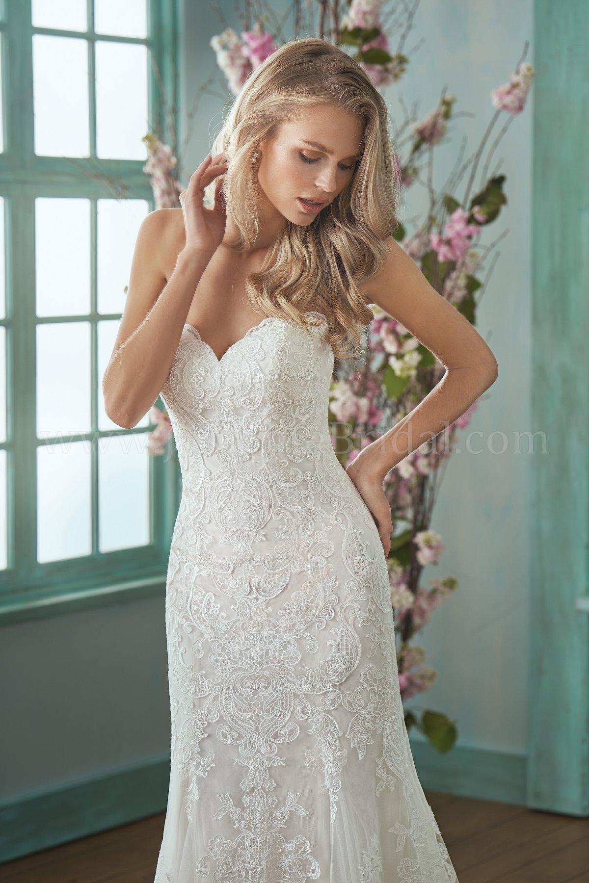 bridal-dresses-F201017-1