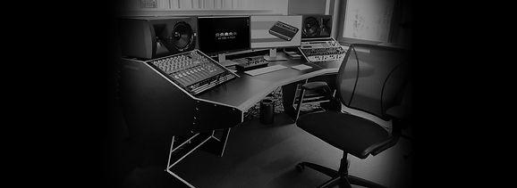 Gustav desk (3).jpg