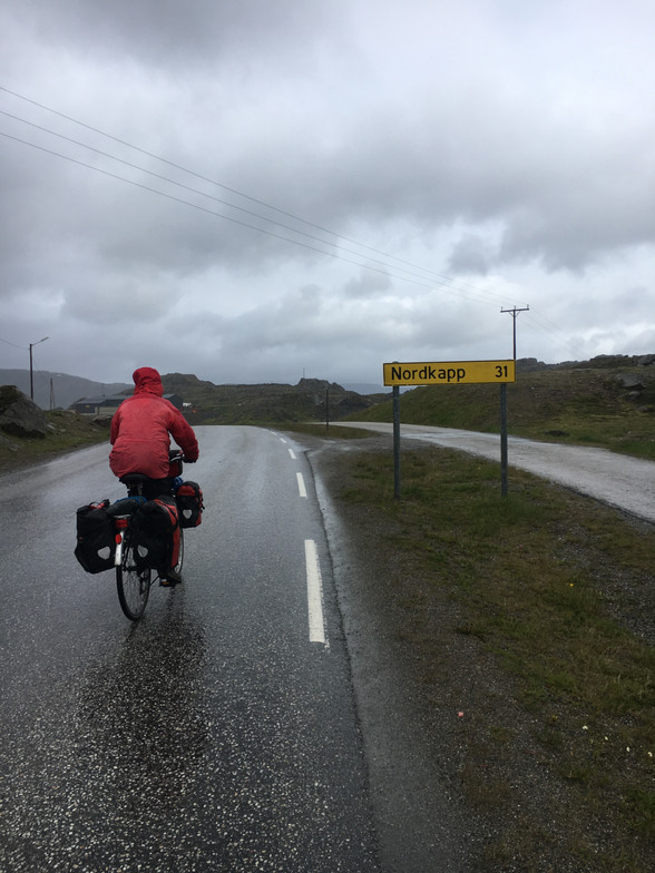Day 84.......Honningsvåg to Nordkapp ! ......39 km....... (Total 6,988 km)