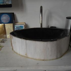 versteinertes Waschbecken