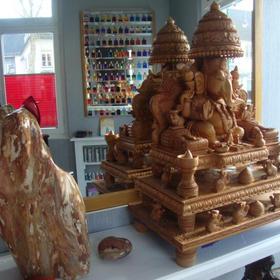 Ganeshaschrein  1250,-  480 x 650 x 270 mm