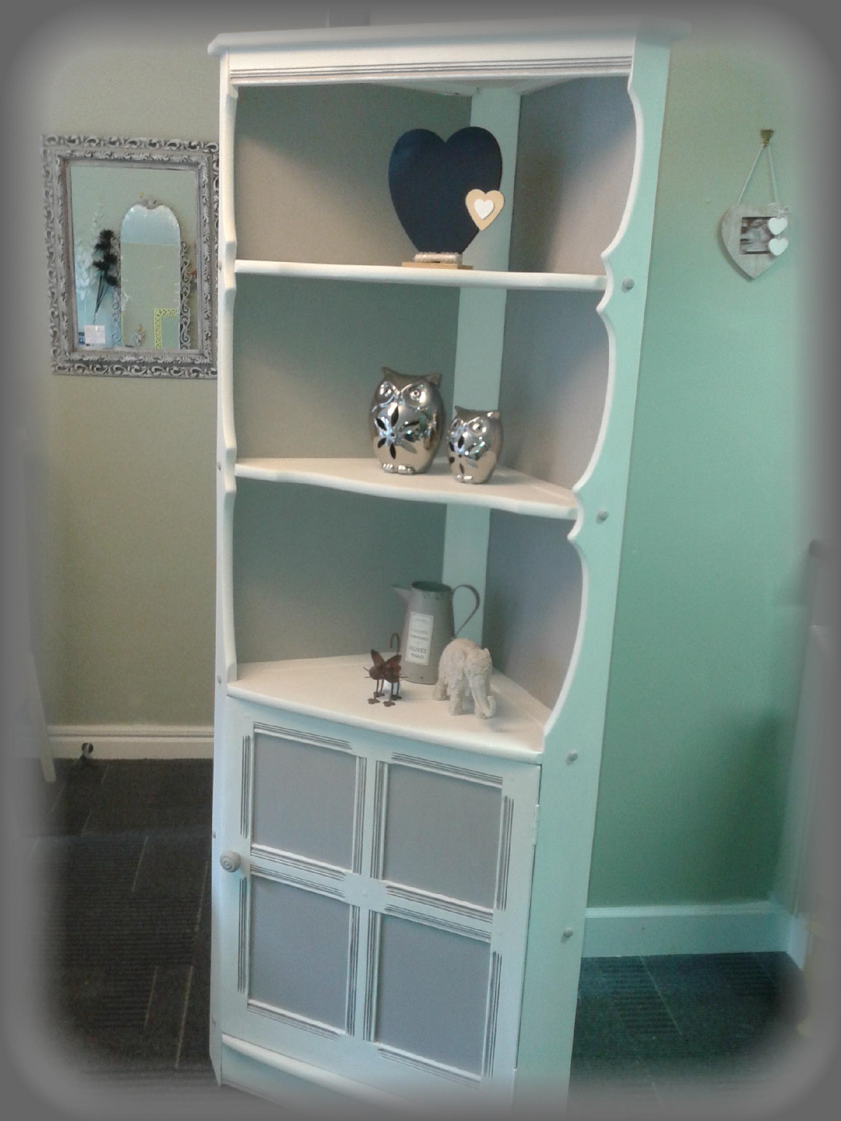 corner cabinet1.jpg