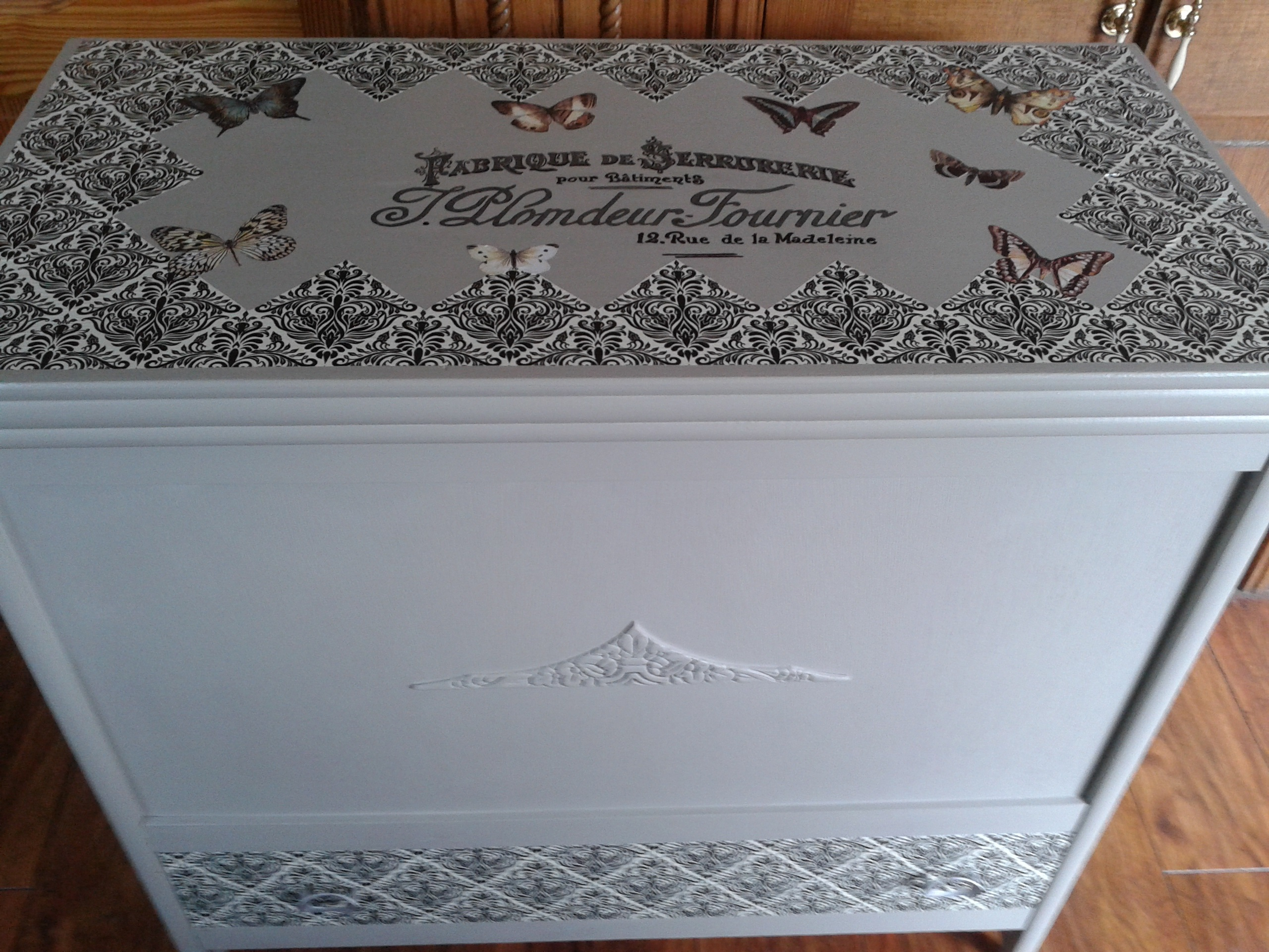 Large blanket box with drawer £125