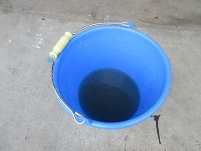 高圧洗浄の水汚れ