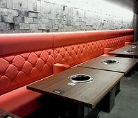 店舗用赤いソファー