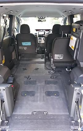 誠介護福祉タクシーの車内