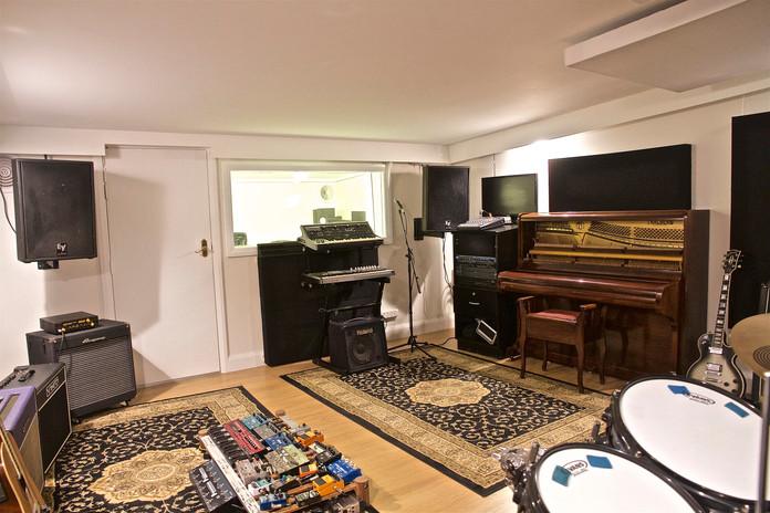 Black Wall Studio - Live Room