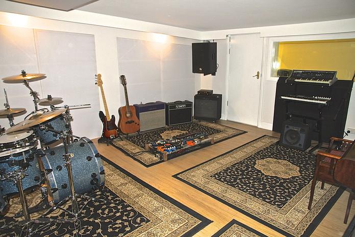 Black Wall Studios - Live Room