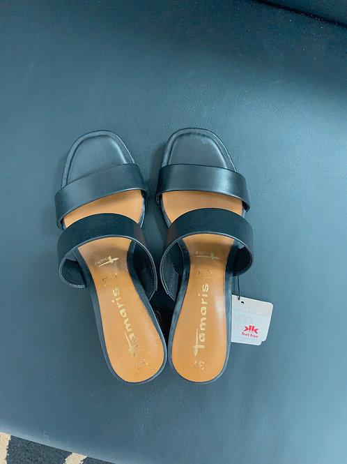 Kožené sandálky Tamaris so vzorovaným opätkom